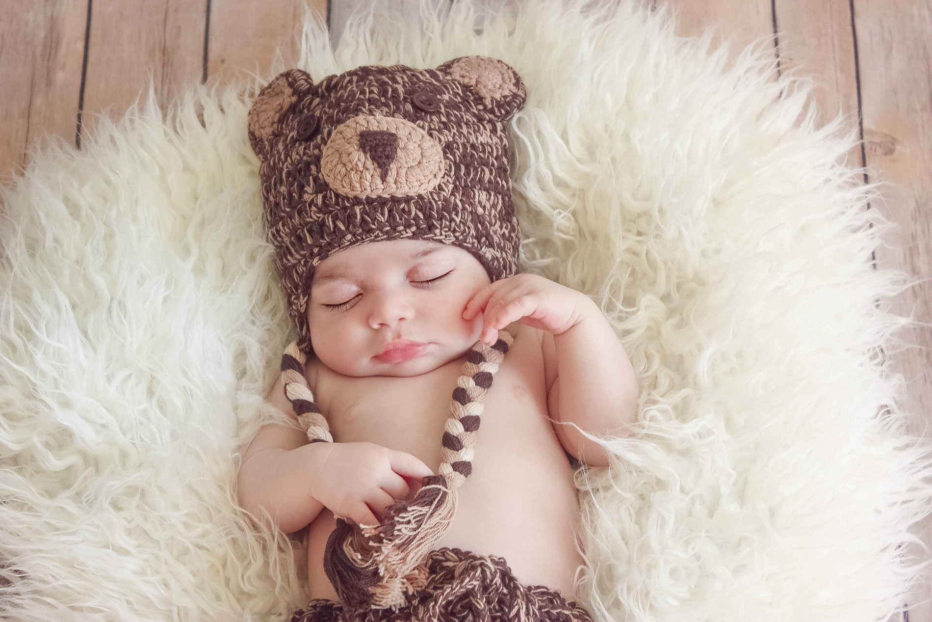 sleepy baby newborn photo